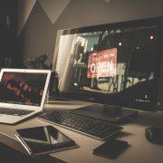 curso-mkt-dig-pequenos-negocios-computador-site
